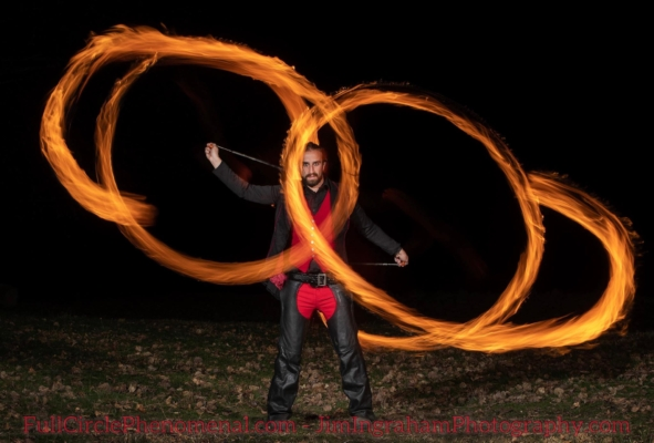 fire poi spinning, fire poi show, fire poi professional, fire spinning career